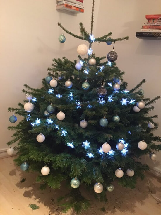 Decorated christmas tree, after delivery has been made