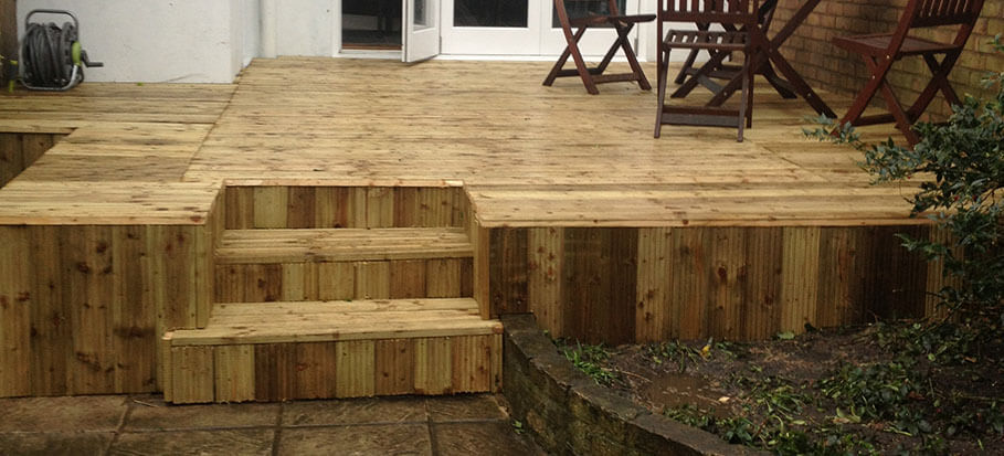 How To Stop Decking From Being Slippery Fantastic Gardeners Blog